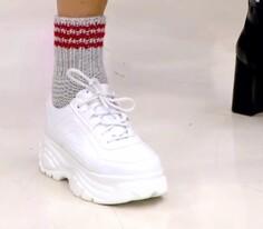 İki Şişle Örülen Pratik Çorap Yapımı