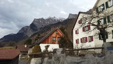 Çok Gezenti  Lihtenştayn Fragman