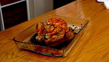 Derya Baykal'la Gülümse Soğanlı Tavuk Dolması Tarifi
