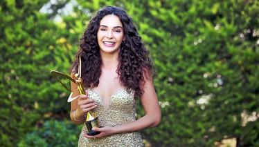 En İyi Kadın Oyuncu - Ebru Şahin