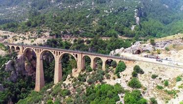 "Adana'da Durağımız ""Varda Köprüsü"""