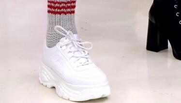 Derya Baykal'la Gülümse İki Şişle Örülen Pratik Çorap Yapımı