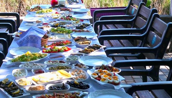 Gölyazı'da Kahvaltı Zamanı